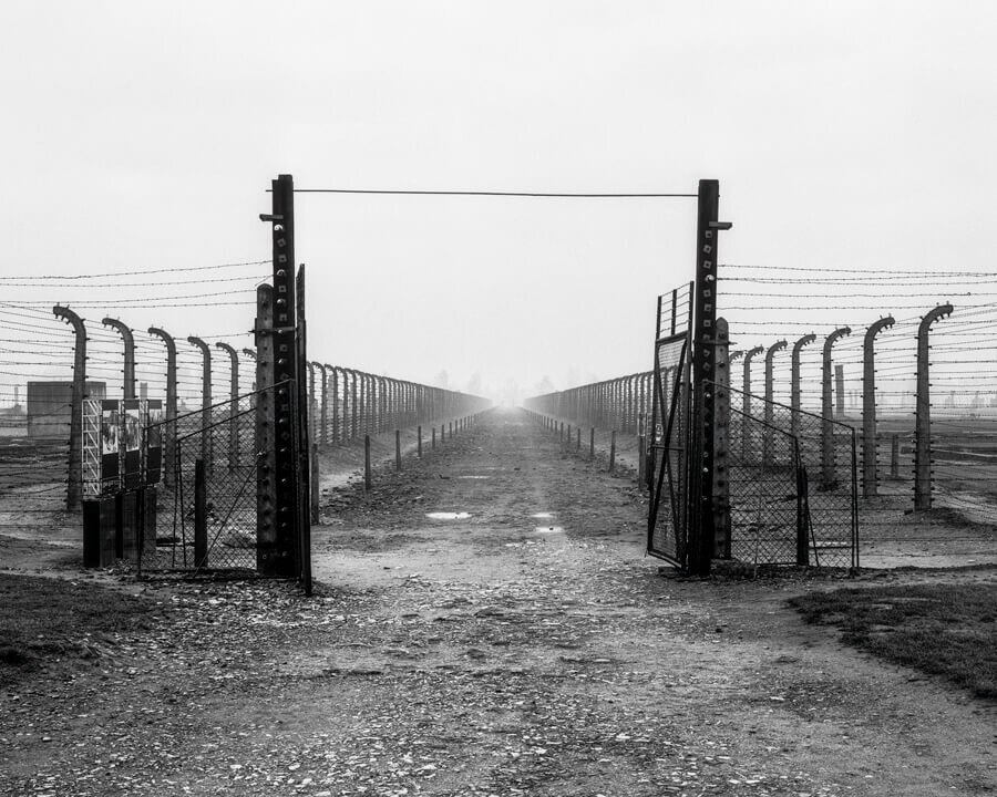 Auschwitz - Ultima Ratio of the Modern Age